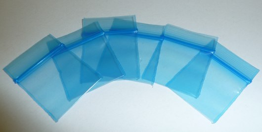 1/2 x 1/2, 2 Mil Blue Tint Reclosable Bags